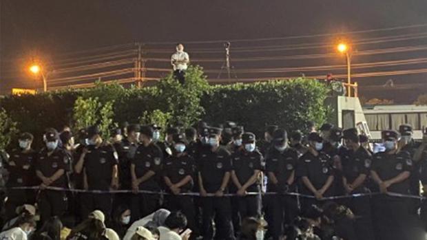 【學生維權】江浙獨立學院合併引發學潮 學生維權被暴力鎮壓