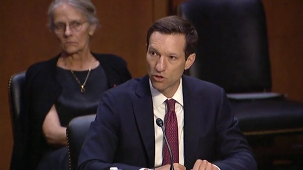 美国准助理国防部长:首要处理中国问题 美拟常设海军特遣舰队压制中国