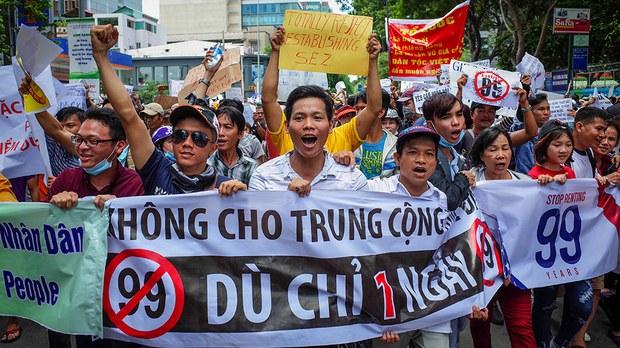 vietnam-protest.jpg
