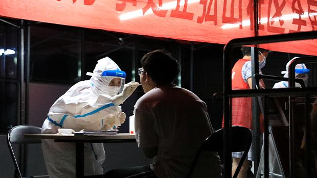 【新冠肺炎】多地遭遇一年來最大疫情 地方政府重推防疫戰時狀態