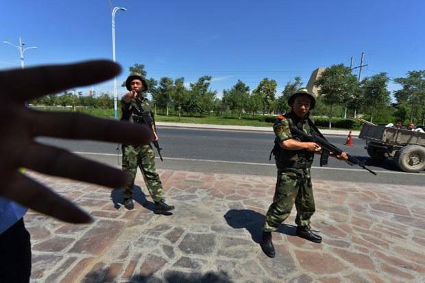 Xinjiang-Shanshan-Police0628-620.jpg