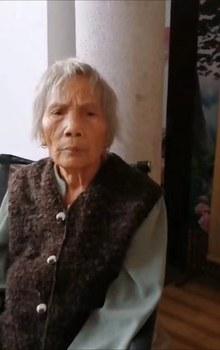 年近九十的覃永沛母親一度徘徊死亡邊緣。(鄧曉雲獨家提供/拍攝日期不詳)