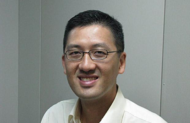 林卓廷在自由亚洲电台粤语部做访谈节目嘉宾。(粤语部2014年8月5日资料图片)