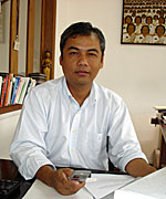 Youk Chhang: His center documents Khmer Rouge war crimes and saves the stories of survivors. Photo: RFA<br />