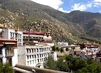 Drepung monastery. Tibet's largest monastery was surrounded by Chinese police in October 1987. Image courtesy of Wikipedia