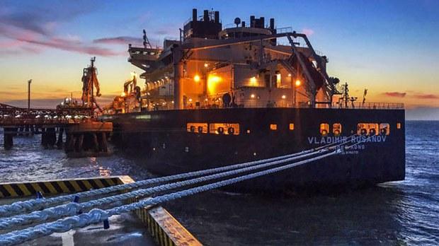 china-russian-lng-tanker-nantong-july19-2018.jpg