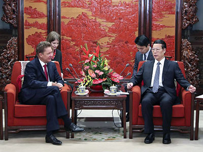 Chinese Vice Premier Zhang Gaoli (R) meets with Russian natural gas company Gazprom CEO Alexei Miller in Beijing, Feb. 15, 2017.