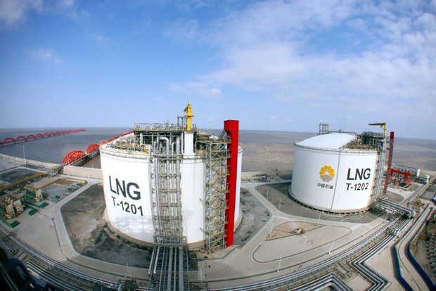china-lng-containers-nantong-jan4-2014.jpg