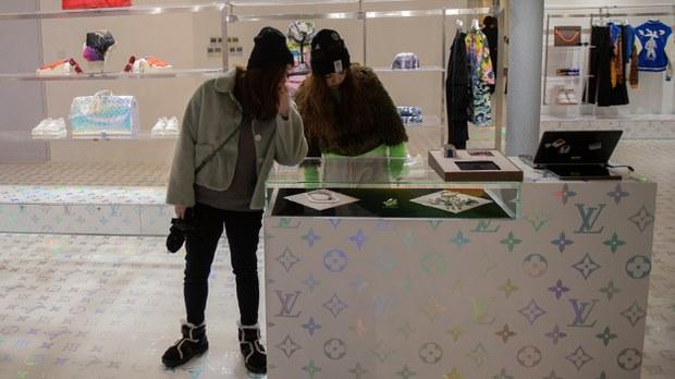 china-luxury-shop-beijing-jan-2019.jpg