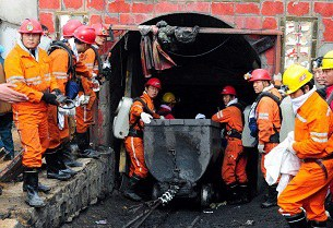china-mine-accident-gansu-305