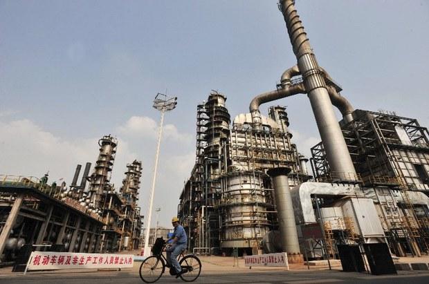 china-oil-refinery-2011.jpg