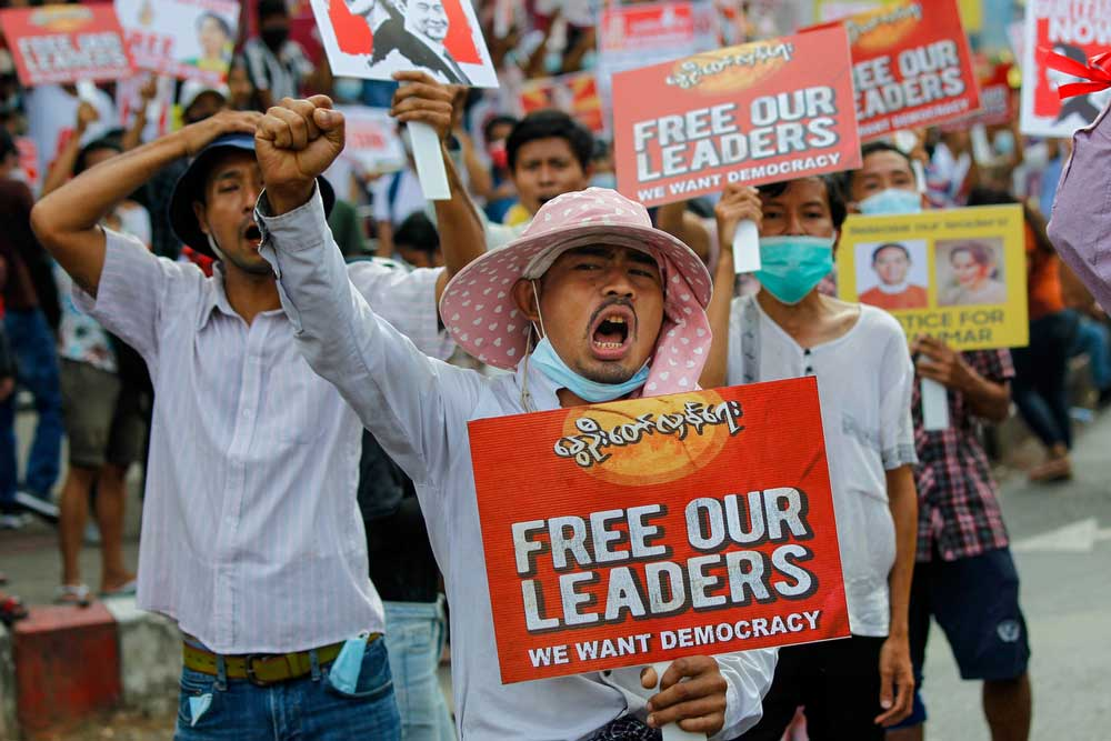 https://www.rfa.org/english/multimedia/myanmar-crackdown-gallery-02262021183713.html/police-crackdown-1.jpg