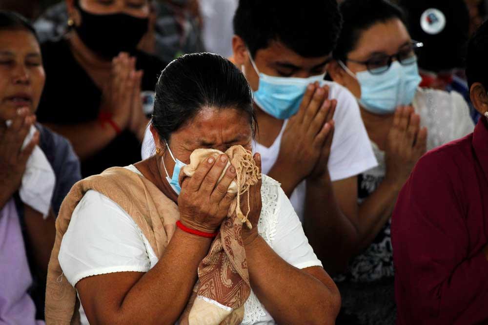 https://www.rfa.org/english/multimedia/myanmar-death-protest-gallery-02222021182753.html/myanmar_funeral022121_003.jpg