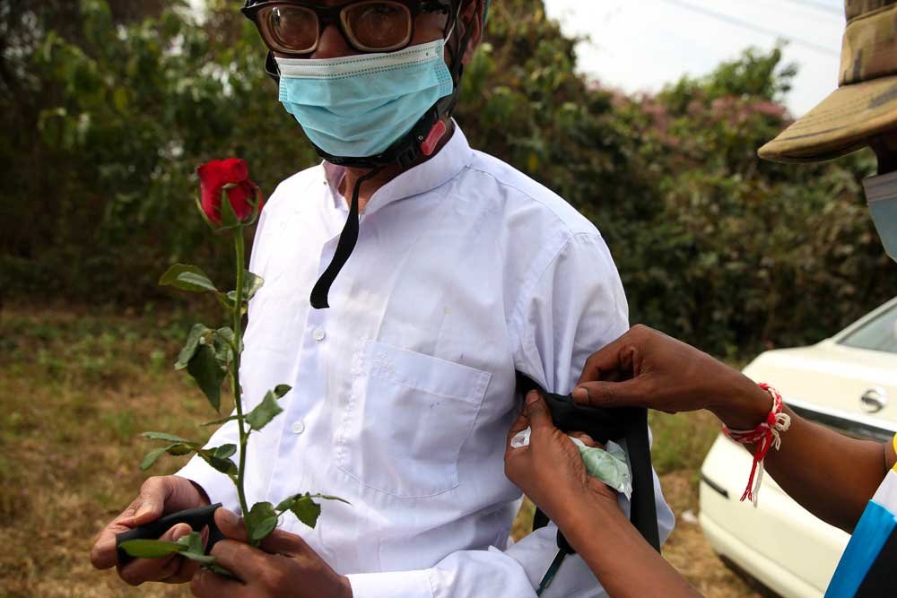 https://www.rfa.org/english/multimedia/myanmar-death-protest-gallery-02222021182753.html/myanmar_funeral022121_005.jpg