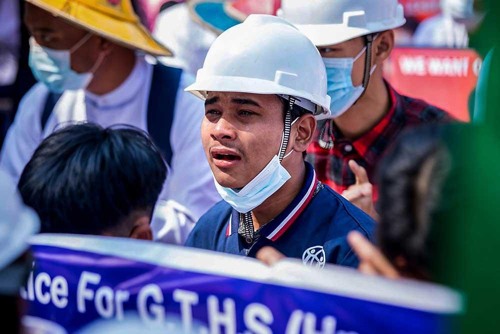 https://www.rfa.org/english/multimedia/myanmar-protest-slideshow-02172021160519.html/myanmar_protest021721_003_e.jpg