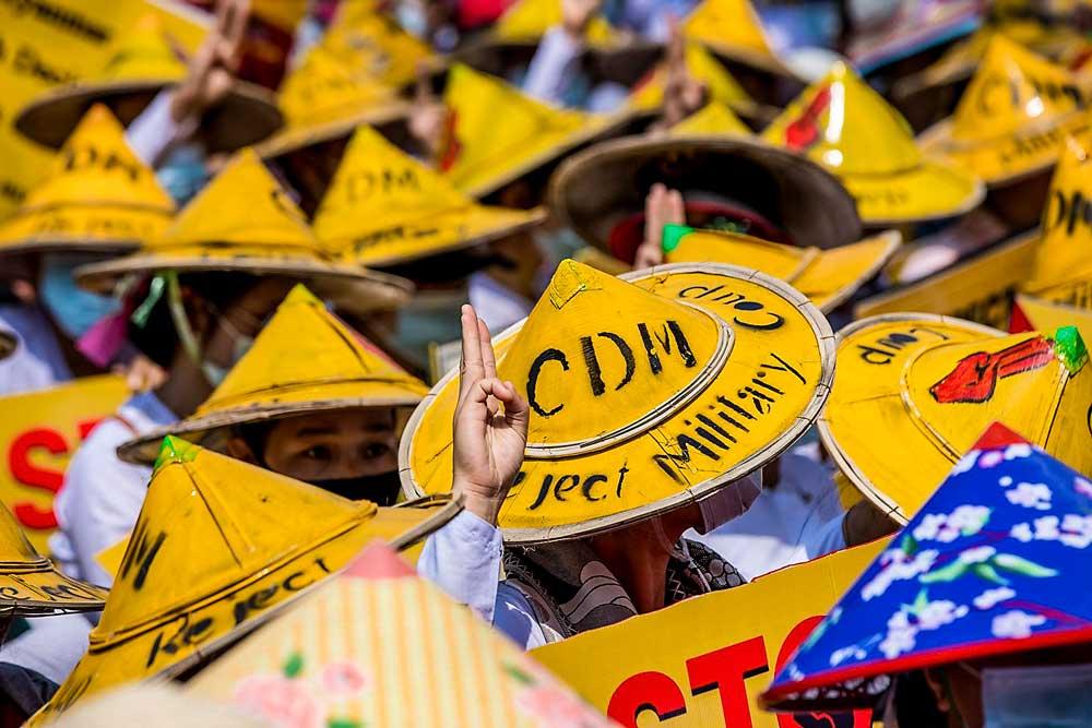 https://www.rfa.org/english/multimedia/myanmar-protest-slideshow-02172021160519.html/myanmar_protest021721_004_e.jpg