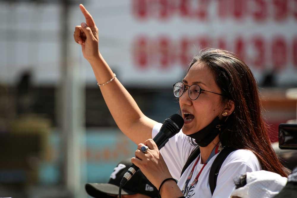 https://www.rfa.org/english/multimedia/myanmar-protest-slideshow-02172021160519.html/myanmar_protest021721_013_e.jpg