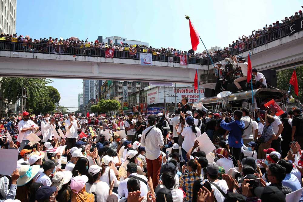 https://www.rfa.org/english/multimedia/myanmar-protest-slideshow-02172021160519.html/myanmar_protest021721_019_e.jpg