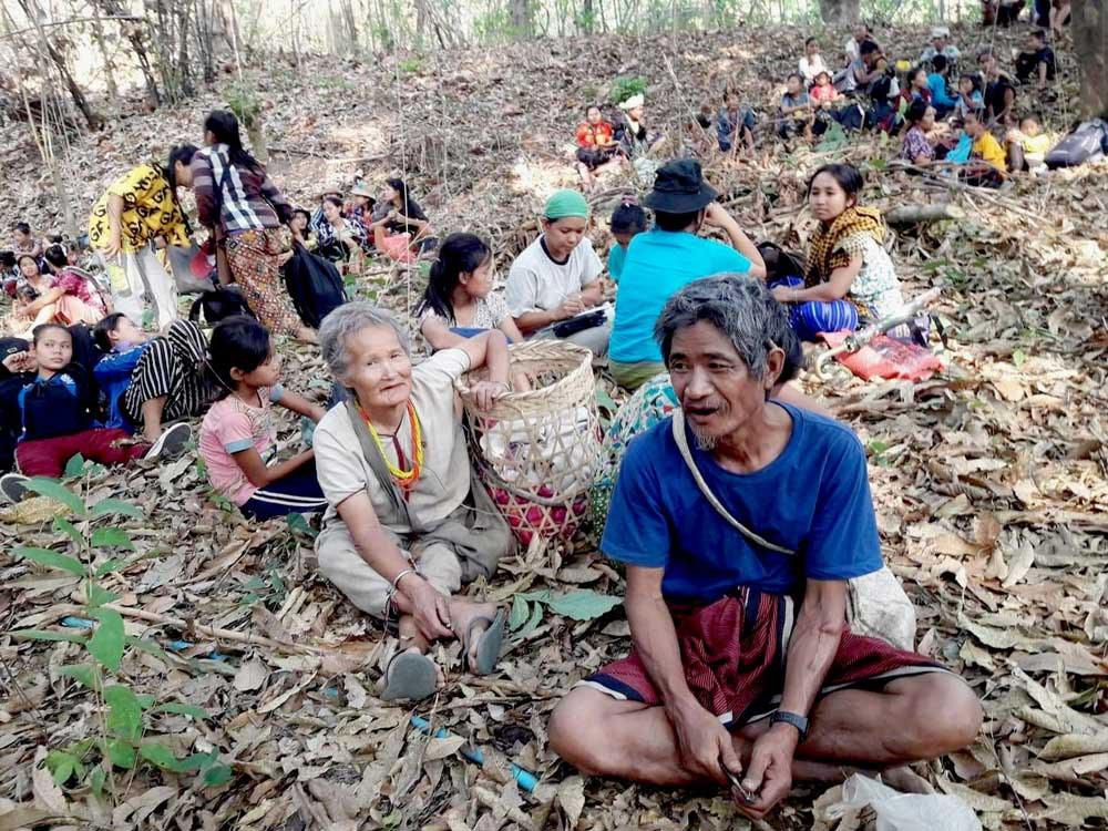 Villagers in Karen State take shelter in the forest. (Karen Teacher Working Group)