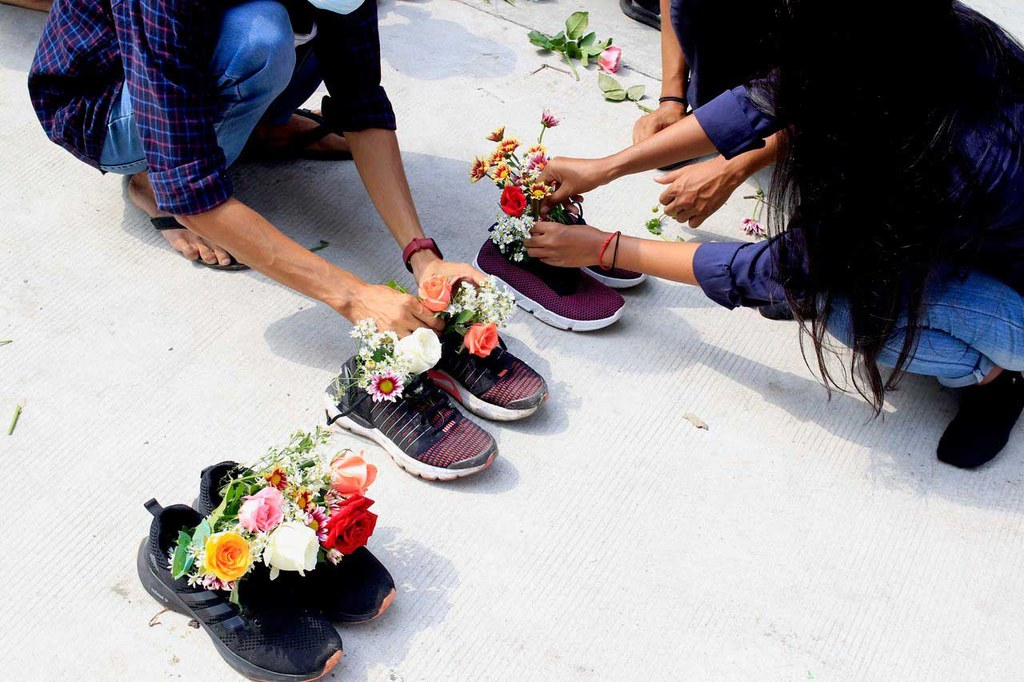 A set of shoes is arranged in Kamaryut, Yangon (RFA)