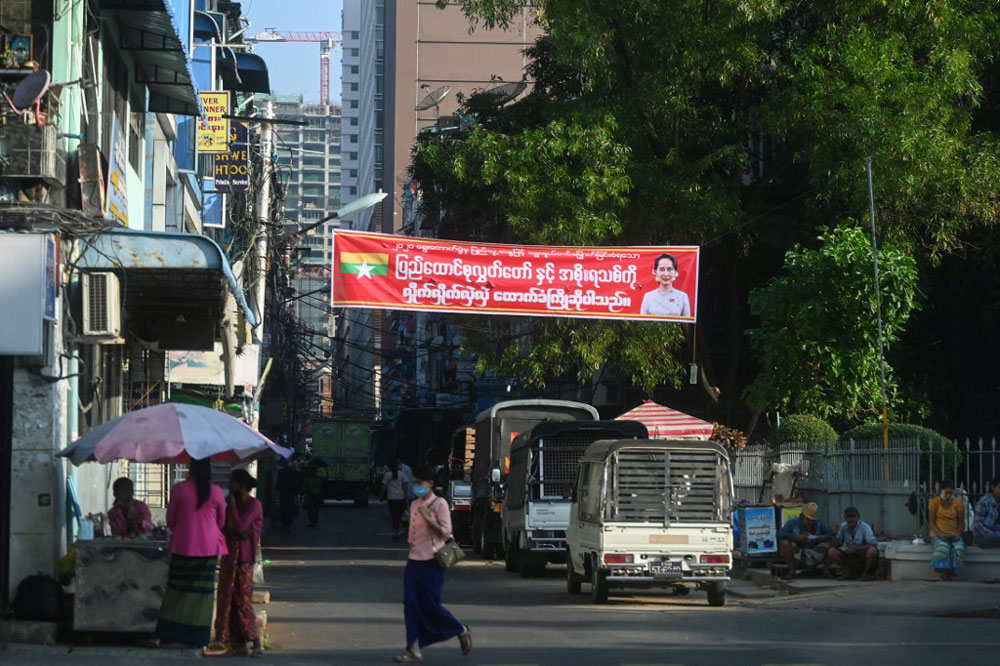 myanmar_coup002d.jpg