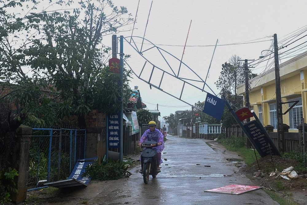 Day2_Vietnam_Typhoon_006.jpg