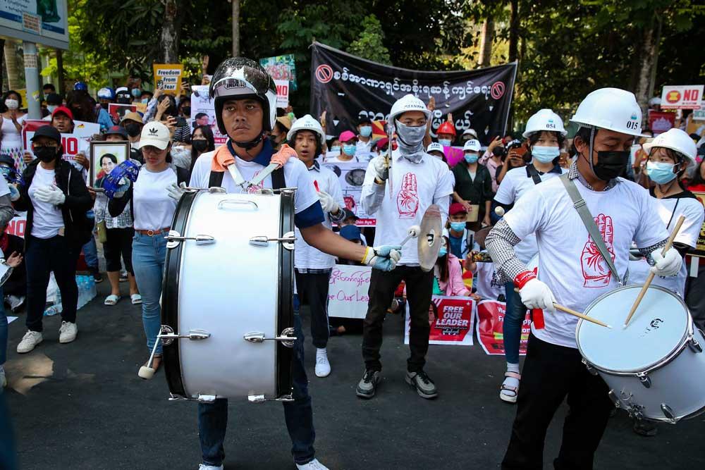 https://www.rfa.org/english/multimedia/yangon-protest-gallery-02242021153748.html/p4.jpg