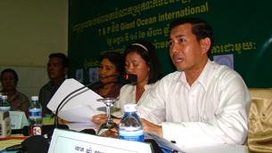 CARAM-Cambodia Executive Director Ya Navuth speaks with reporters, Aug. 14, 2012.
