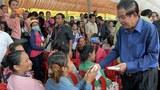 cambodia-hun-sen-money-garment-factory-workers-aug30-2017.jpg