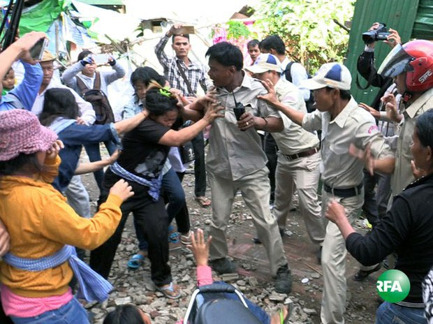 Cambodian Evictees Attempt to Return Home to Borei Keila