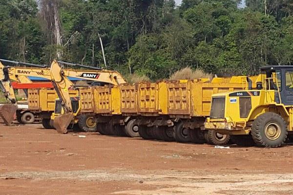 cambodia-copper-mine-trucks-siem-reap-province-jan20-2016.jpg