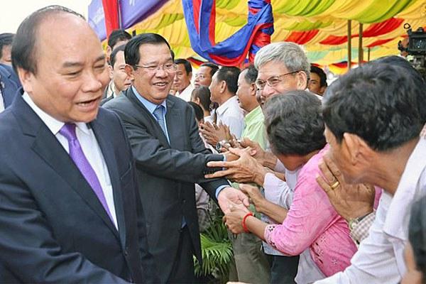 cambodia-hun-sen-vietnamese-prime-minister-april24-2017.jpg