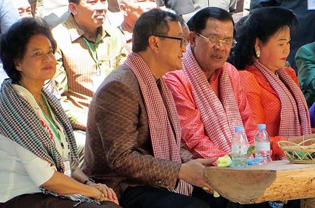 cambodia_sam-rainsy-hun-sen-new-year-siem-reap-apr14-2015.jpg