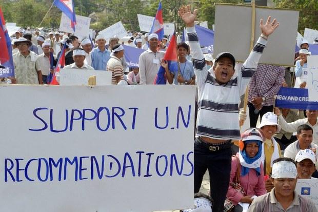 cambodia-cnrp-demo-april-2013.jpg