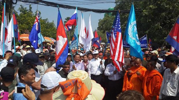cambodia-petitions-oct-2013.jpg