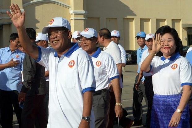 cambodia-hun-sen-campaign-july-2013.jpg