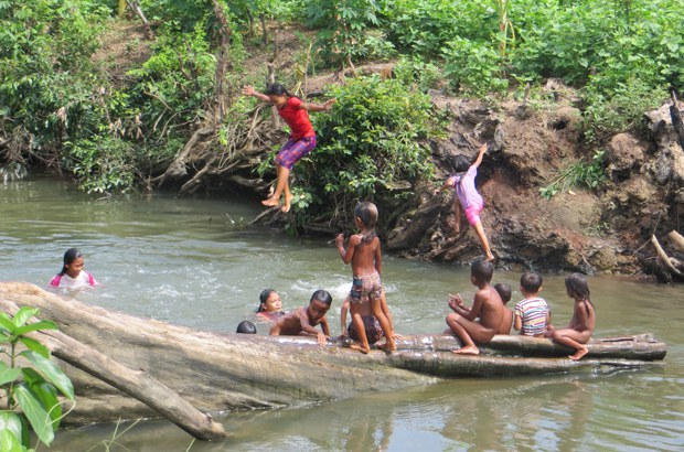 cambodia-ou-svay-children-swimming-sept-2015.jpg