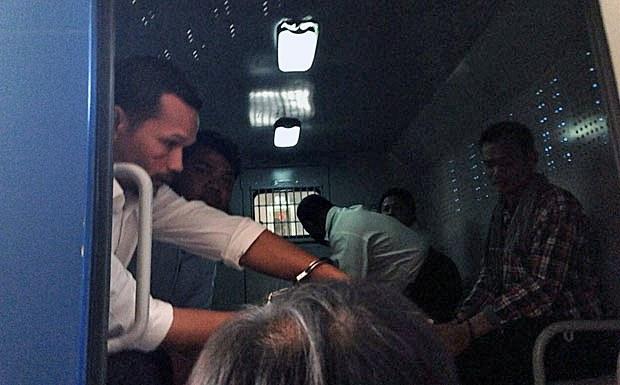 cambodia-meach-sovannara-transported-to-prison-july21-2015.jpg