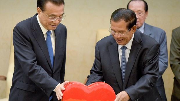 cambodia-hun-sen-and-li-keqiang-jan-2018.jpg