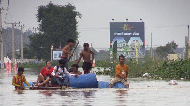 cambodia-raft-flooding-phnom-penh-oct-2020.jpeg