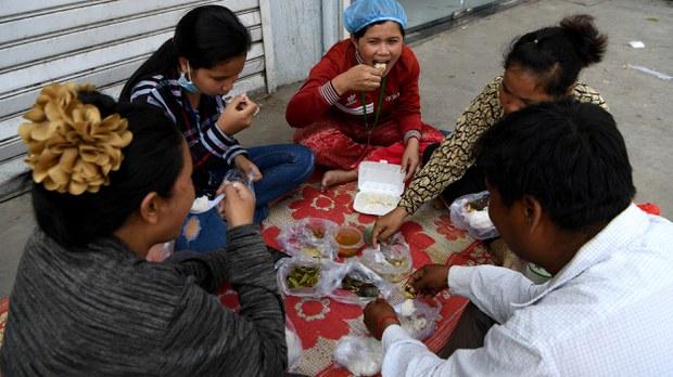 cambodia-garment-industry-raw-material-shortage-mar-2020.jpg