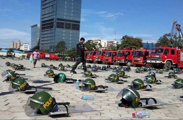 cambodia-police-freedom-park-oct-2013.JPG