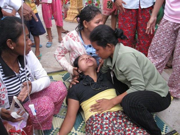 cambodia-factory-fainting-aug-2011-1000.jpg