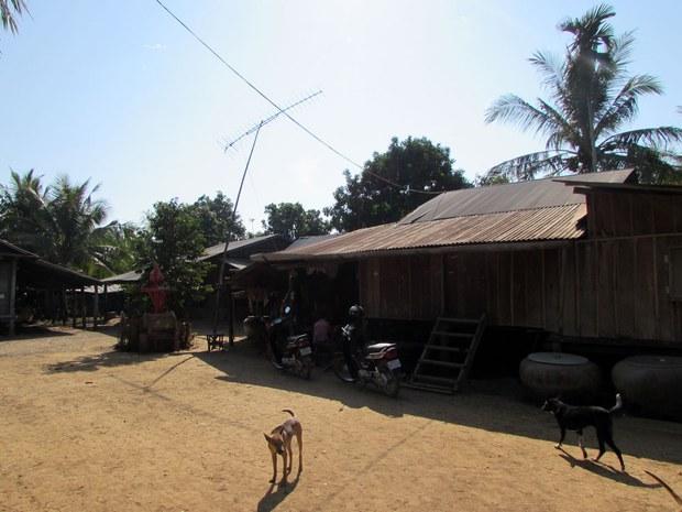 cambodia-hiv-family-I-jan-2015-1000.jpg