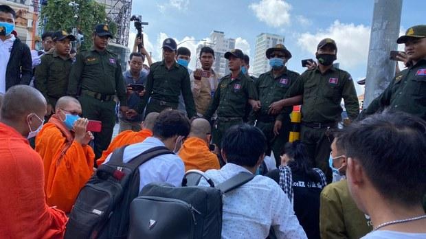 cambodia-kem-ley-supporters-caltex-fourth-anniversary-july-2020-crop.jpg