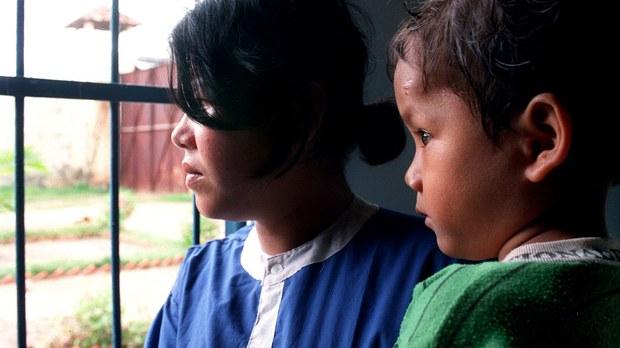 cambodia-prison-children-june-2000.jpg
