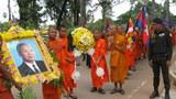 monks-mourning-305.jpg