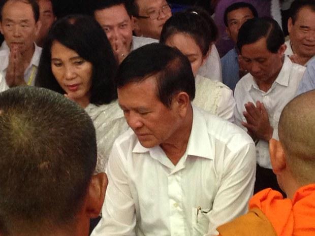 Kem Sokha Seeks 'Nonviolent' Solution to Cambodia's Political Crises