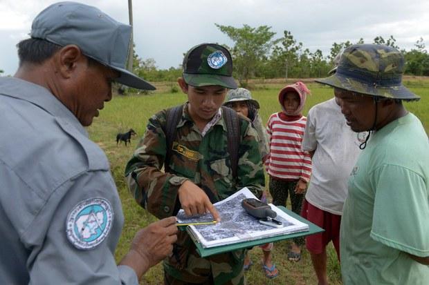 cambodia-youth-unit-land-aug-2012.jpg