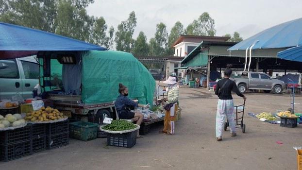 laos-market-civd-vientiane-apr28-2021.jpg